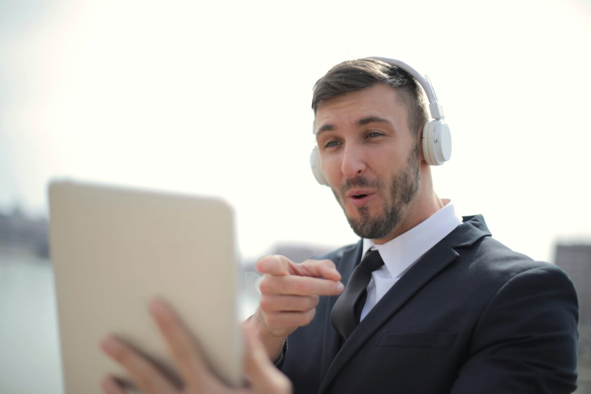 Put Your Best Face Forward: 7 Tips for a Video Recruiting Call